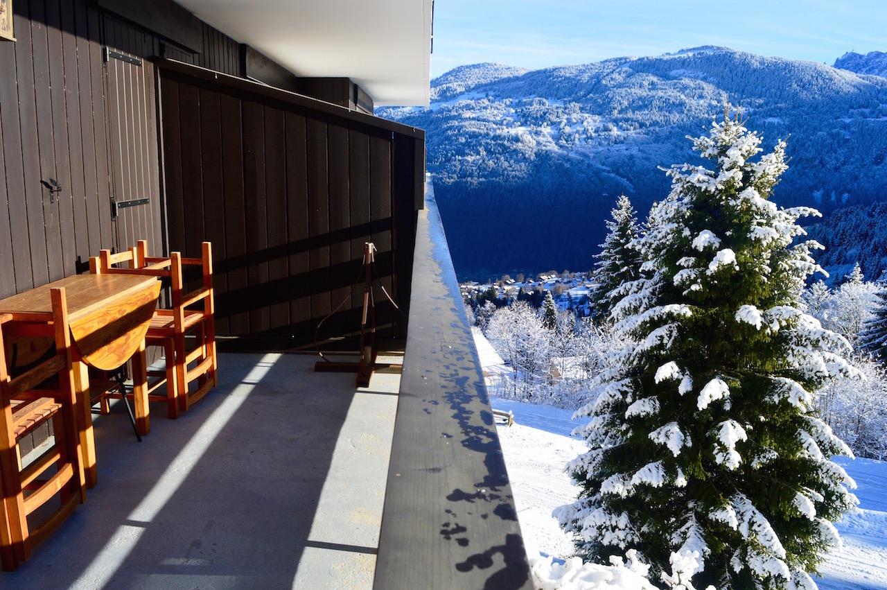 La vue superbe depuis la terrasse : deux mondes qui se touchent !